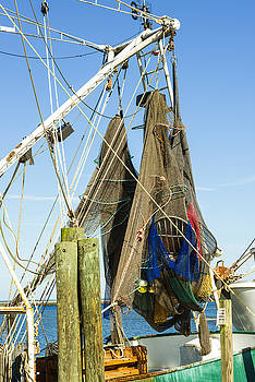 201503140-097 Hanging Fishing Nets 2x3 by Alan Tonnesen
