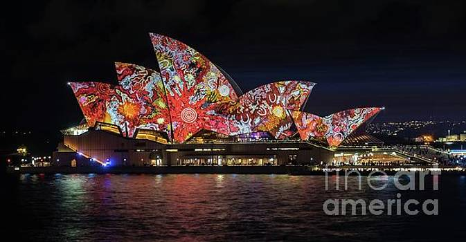2016 Sydney Vivid 6 by Paul Woodford