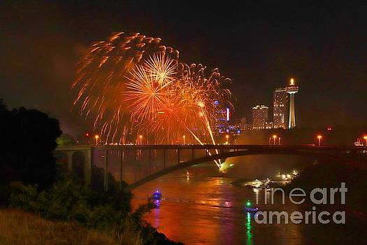 2018 Summer Fireworks at the Falls by Tony Lee