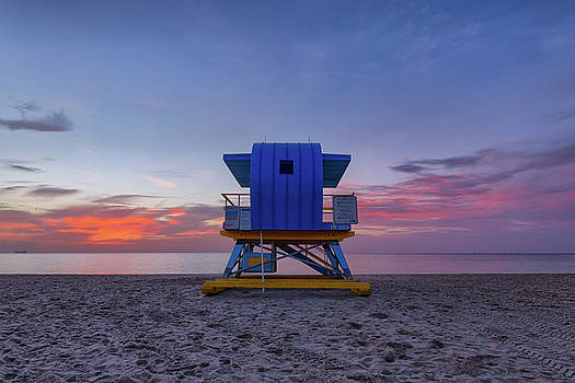2nd Street Lifeguard Tower at Dawn by Claudia Domenig