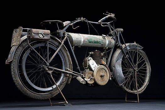1917 Triumph Model H by Keith May