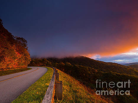 Blue Ridge Parkway. by Itai Minovitz
