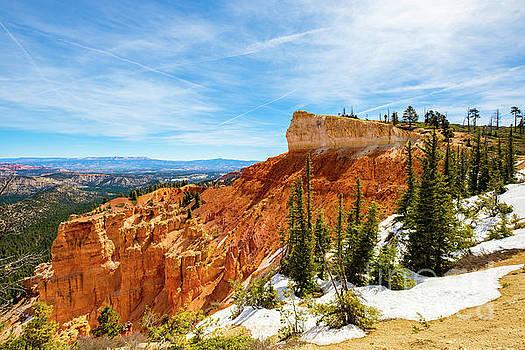 Bryce Canyon Utah by Raul Rodriguez