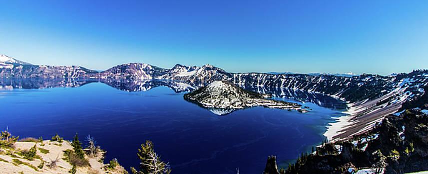 Crater Lake by Jonny D