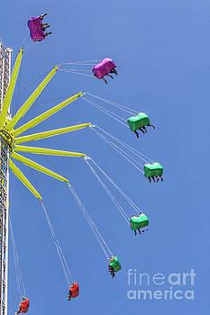 Ferris wheel by Patricia Hofmeester