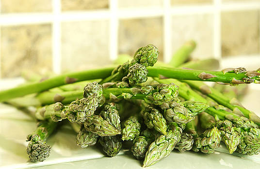 Green asparagus by Blink Images
