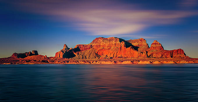 Lake Powell by Peter Lakomy