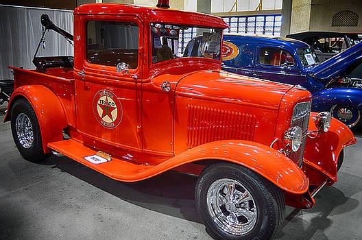 32 Texaco Truck by Bill Dutting