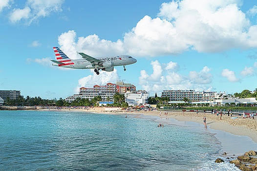 American Airlines at St. Maarten by David Gleeson