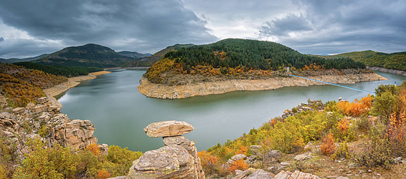 Autumn mountain by Evgeni Ivanov