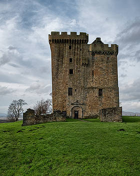 Clackmannan Tower by Jeremy Lavender Photography