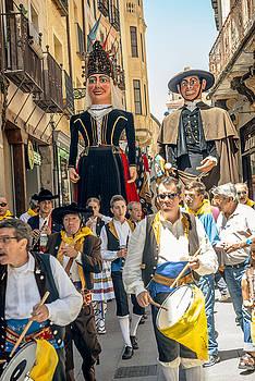 Eduardo Huelin - Giants and big heads in Segovia Festival Spain