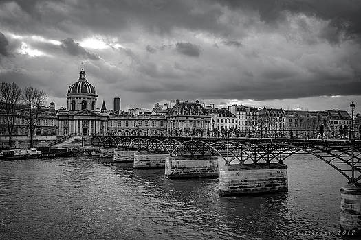 Pont des Arts Paris by Henri Irizarri