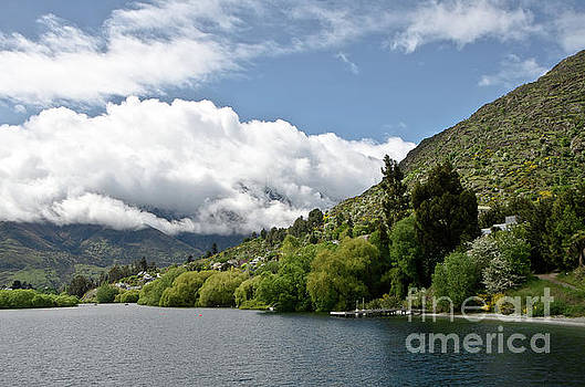 Queenstown New Zealand. Remarkable ranges and lake Wakatipu. by Yurix Sardinelly