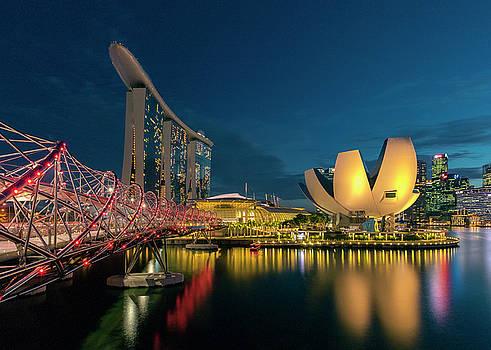 Singapore by Evgeny Vasenev