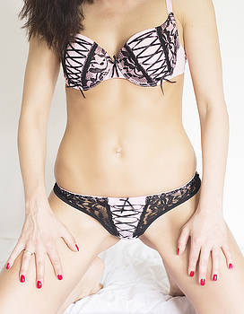 Newnow Photography By Vera Cepic - Woman in pink and black lingerie