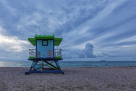 43rd Street Lifeguard Tower by Claudia Domenig