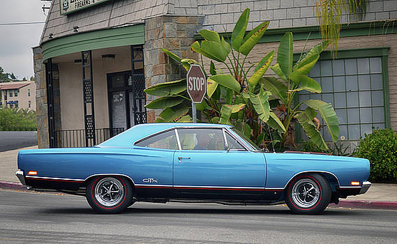 440 Plymouth G T X by Bill Dutting