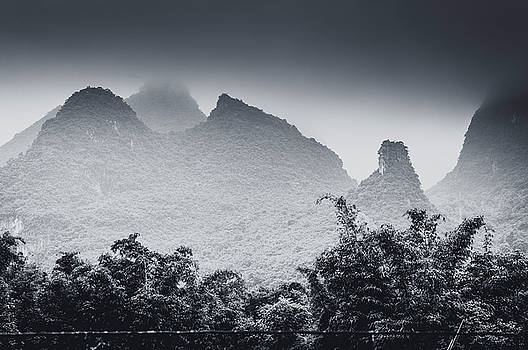 Mountains scenery by Carl Ning