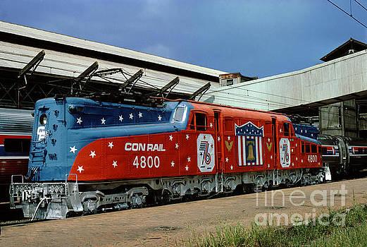 4800 Conrail GG-1 Electric Locomotive in Bicentennial Livery by Wernher Krutein
