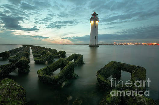 Mariusz Talarek - New Brighton lighthouse