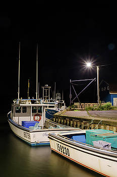 Nightime on the wharf. by Rob Huntley