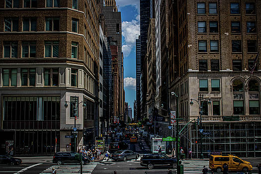5th Ave.  by Luis Rosario