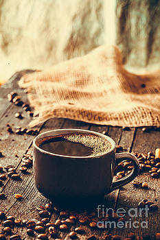 Mythja Photography - Coffee on wood