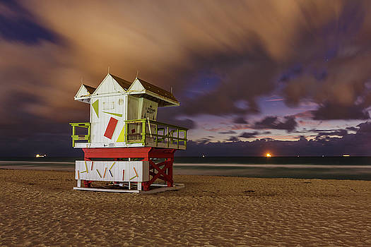 6th Street Lifeguard Tower at Twilight by Claudia Domenig