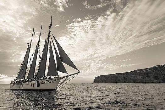 Cliff Wassmann - American Pride off the Dana Point Headlands