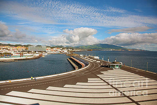 Ponta Delgada, Azores by Gaspar Avila