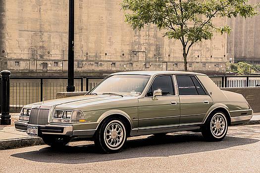 85 Lincoln Continental by Jim Markiewicz