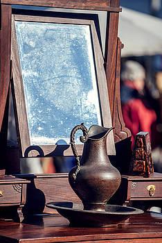 Eduardo Huelin - Portugal Lisbon old objects in Ladra flea market