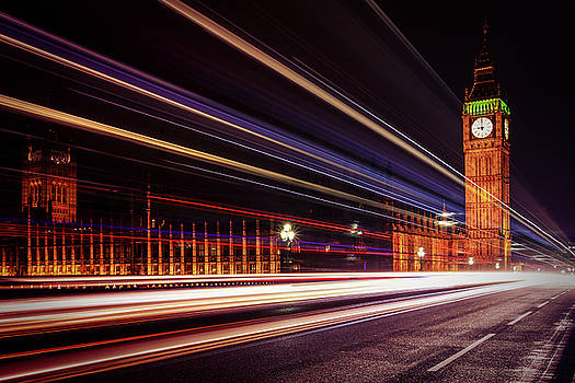 9PM in the City by Kelvin Trundle
