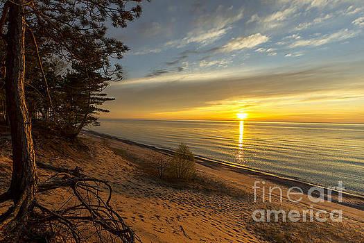 A 12 mile beach sunset by Amie Lucas