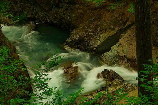 A beautiufl river by Jeff Swan