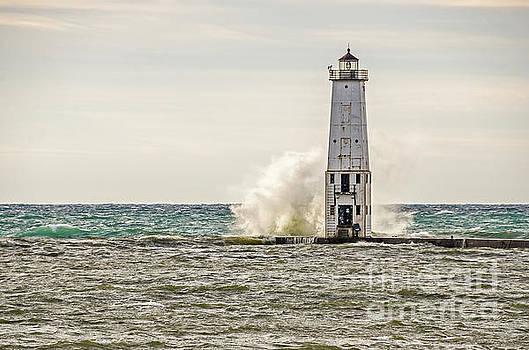 A Big Wave Crashes into the Frankfort Light by Sue Smith