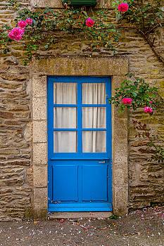W Chris Fooshee - A Blue Door in France