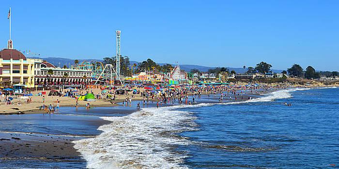 Glenn McCarthy Art and Photography - A Crowded Beach in Santa Cruz