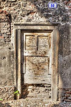 W Chris Fooshee - A Door at Number Ten