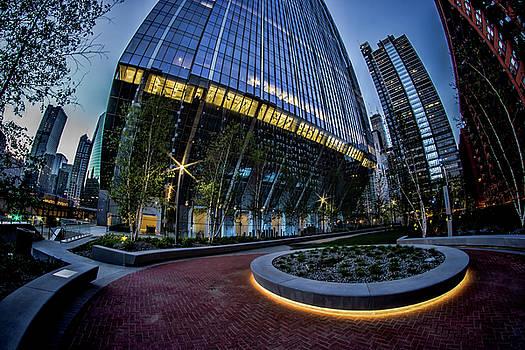 A fisheye view of the 150 riverside plaza in Chicago  by Sven Brogren