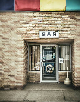 Cynthia Traun - A Guy Walks into a Bar