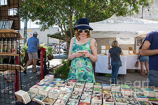 Herronstock Prints - A local Austin woman shops for eclectic treasures along South Congress Avenue, a treasure for awesome and unique eclectic shopping