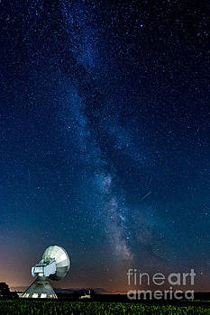 A Magical Night At The Earth Station by Hannes Cmarits