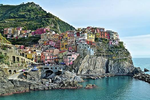 A Manarola Morning by Frozen in Time Fine Art Photography