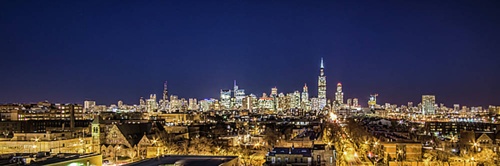 A panoramic look at the Chicago Skyline at dusk by Sven Brogren