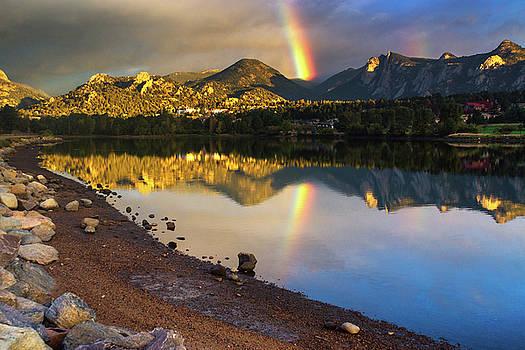 John De Bord - A Rainbow Ovber Lake Estes