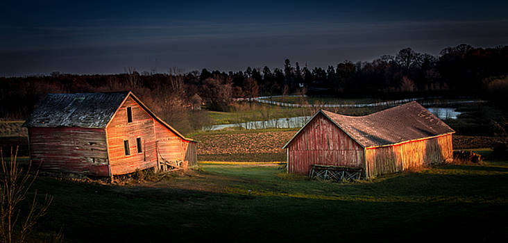A Red Barn Remembers by Melinda Martin
