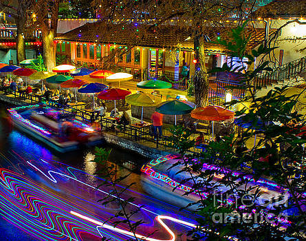 Michael Tidwell - A San Antonio River Walk Christmas