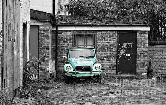 Abandoned Car by Lynn Bolt